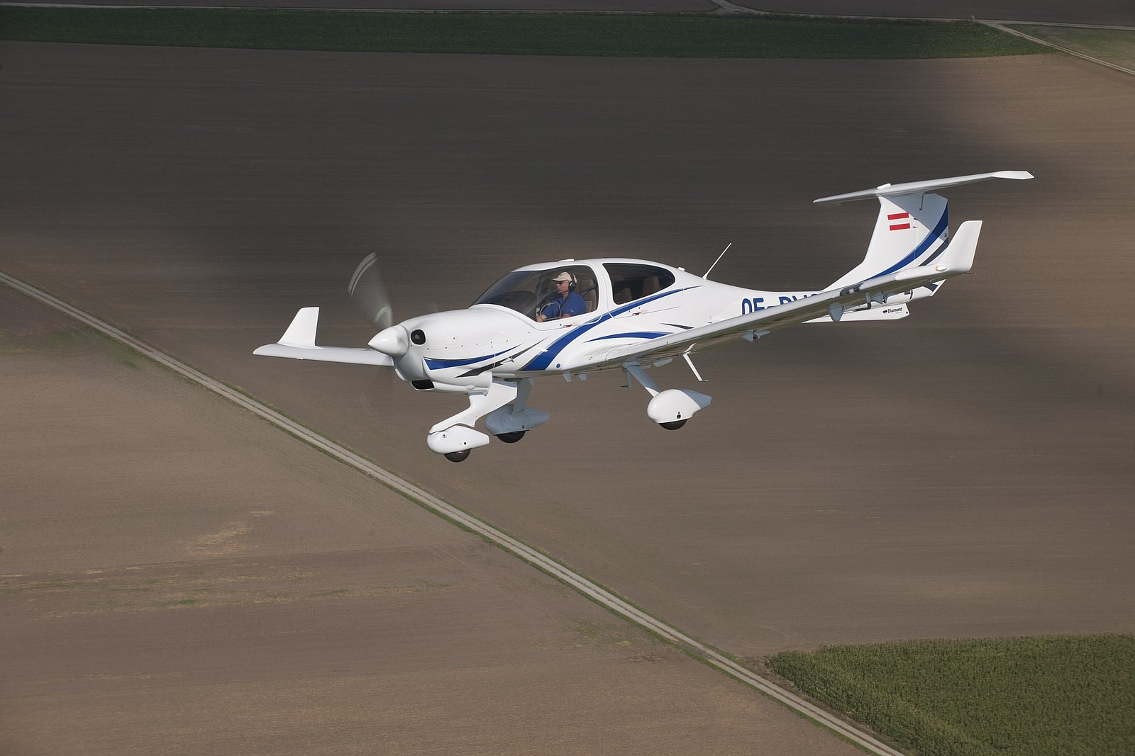 Patria Orders Diamond Trainer Aircraft Diamond Aircraft
