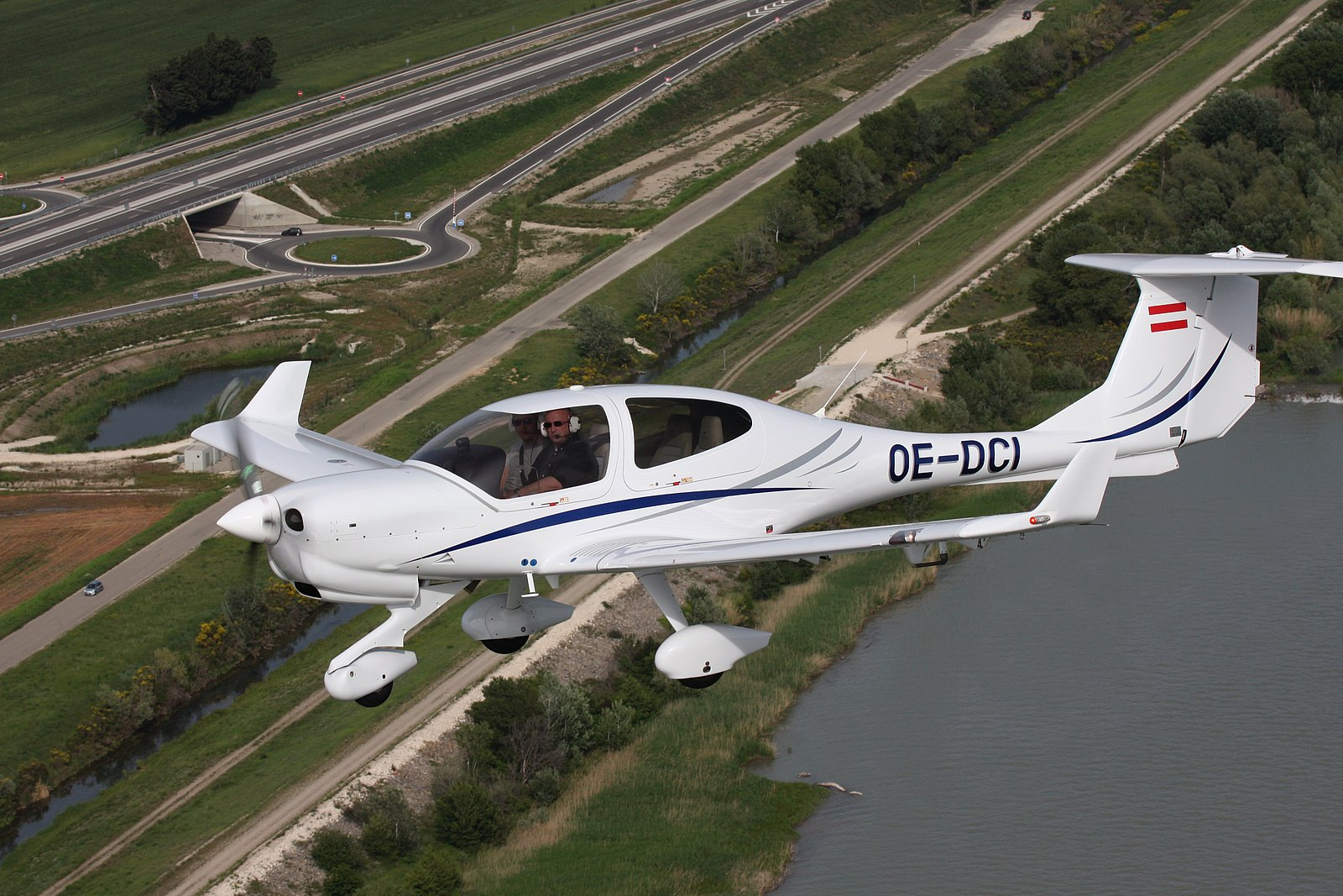 Republic Airways Selects Diamond Da40 Ng And Da42 Vi Fleet