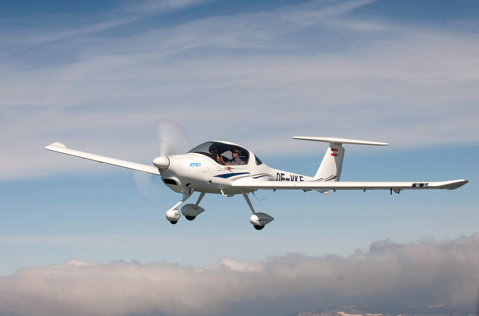 DA20 Series – Space, Speed and Style - Diamond Aircraft Industries