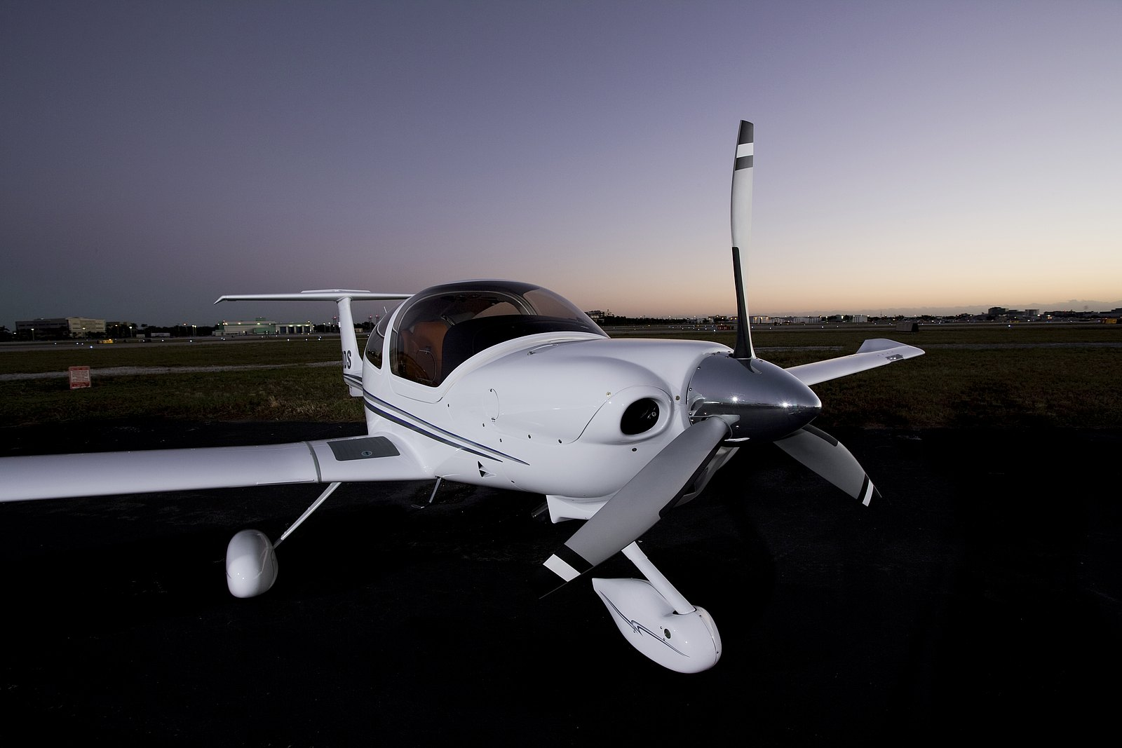 DA40 XLT All round practical and versatile multi-use four seat airplane